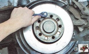 винт крепления тормозного диска к ступице заднего колеса