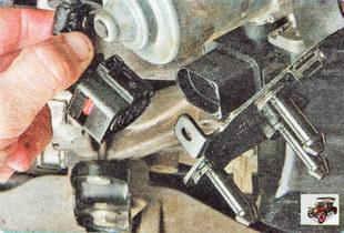 колодка жгута проводов вакуумного насоса
