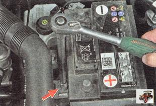 крепежная планка аккумулятора