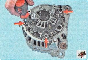 винты крепления выпрямительного блока генератора