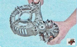 извлеките ротор вместе с подшипником из крышки генератора