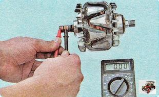 проверьте тестером сопротивление обмотки ротора генератора