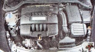 двигатель и подкапотное пространство Шкода Октавия А5