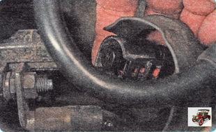 клемма тягового реле стартера