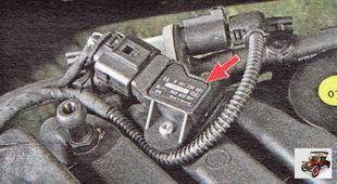 датчик абсолютного давления (разрежения) и температуры во впускной трубе