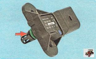датчик абсолютного давления и температуры во впускном коллекторе уплотнен резиновым кольцом