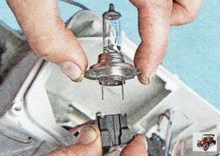 колодка жгута проводов лампы ближнего света