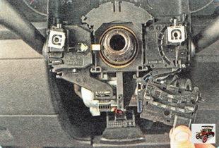 датчик угла поворота рулевого колеса Шкода Октавия А5