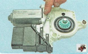 модуль управления моторедуктором стеклоподъемника задней двери Шкода Октавия А5