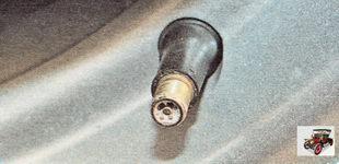 Для проверки герметичность золотника, намочите отверстие вентиля