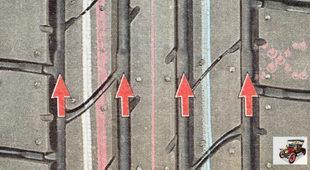 индикаторы предельного износа, отформованными на протекторе шине
