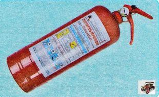 Огнетушитель должен быть хладоновым или порошковым, вместимостью не менее 2 л.
