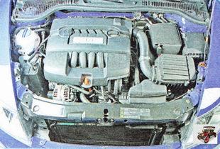 декоративная крышка двигателя Шкода Октавия А5