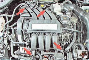 крепление декоративной крышки двигателя