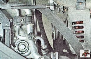 Снимите ремень привода вспомогательных агрегатов Шкода Октавия А5