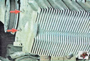болты крепления масляного картера к блоку цилиндров спереди