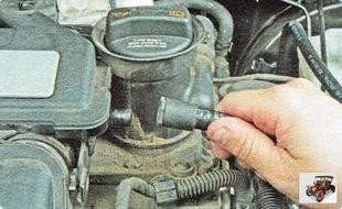 вакуумный шланг усилителя тормозов