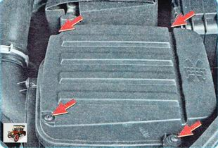 винты крепления крышки воздушного фильтра