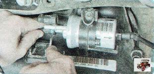 наконечник подающего шланга штуцера топливного фильтра