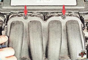 винты верхнего крепления впускного коллектора к ресиверу
