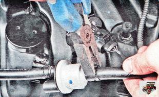 хомут крепления шланга адсорбера к штуцеру электромагнитного клапана