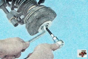 приспособление для сжатия пружины амортизатора