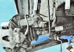 гайка крепления пальца нижнего сайлентблока (шарнира) стойки стабилизатора