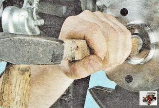 выведение хвостовика наружного сайлентблока (шарнира)