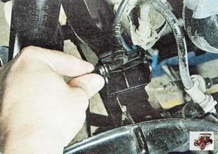 втулка провода датчика частоты вращения заднего колеса