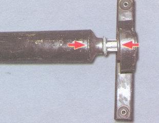 положение короткого и длинного плеч кронштейна промежуточной опоры