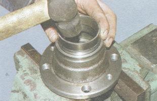 запрессовка кольца внутреннего подшипника ступицы