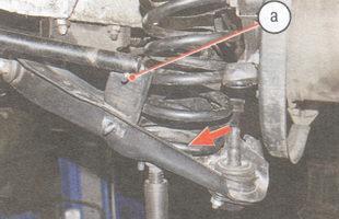 а - шпилька крепления скобы к стабилизатору