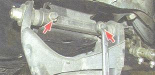 гайки и пружинные шайбы крепления нижнего рычага к поперечине