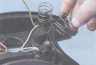пружины выключателя звукового сигнала