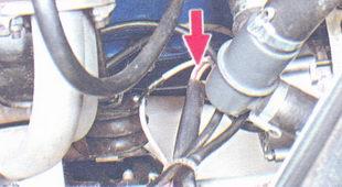 провод, идущий от генератора к «плюсовой» клемме аккумулятора