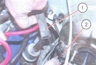 1 - вакуумный шланг, 2 - обратный клапан