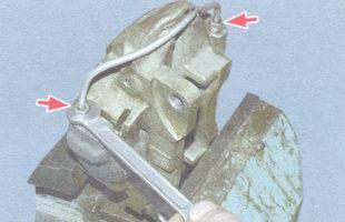 гайки крепления соединительной трубки