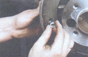 нижняя чашка прижимной пружины