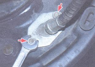 болты крепления наконечника оболочки троса