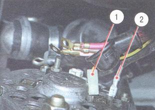 1 - штекер центрального вывода обмотки статора, 2 - вывод «67» щеткодержателя
