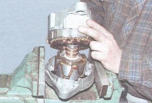 задняя крышка генератора вместе со статором