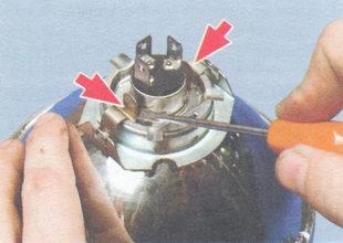 пружины крепления лампы