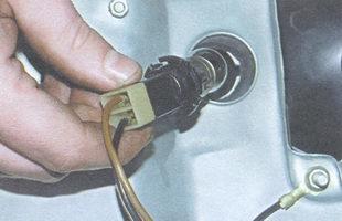 патрон с лампой освещения номерного знака