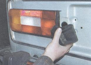 фонарь освещения номерного знака