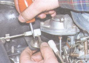 стопорная шайба крепления промежуточного рычага привода управления дроссельной заслонкой
