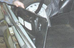 задняя обивка багажника