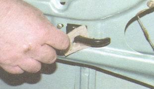 прокладка внутренней ручки двери