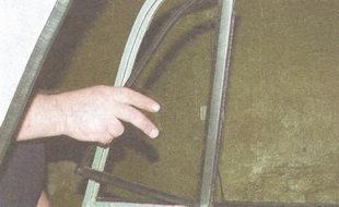 неподвижное стекло задней двери