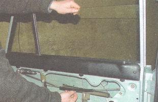 боковое стекло задней двери ваз 2106