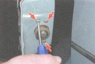 винта крепления замка задней двери ваз 2106